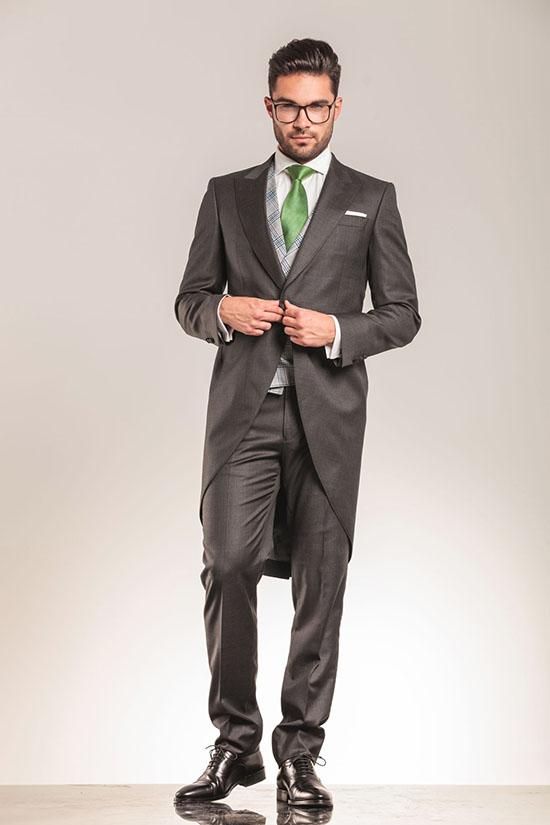 ダンコレのスーツギャラリー|デキる男のためのオーダースーツガイド【大阪心斎橋版】